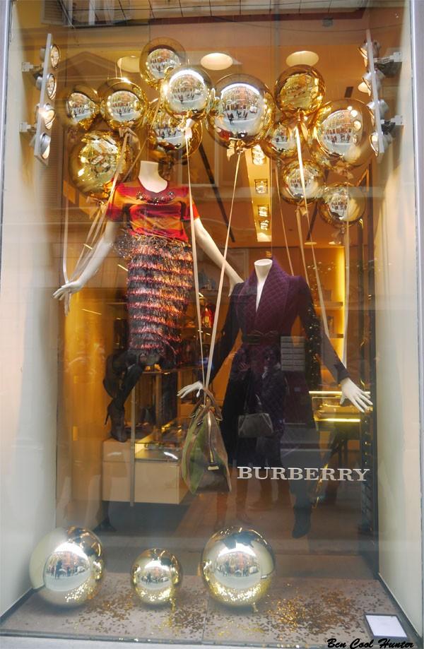 Escaparates navide os las tiendas de lujo de roma - Adornos de navidad para escaparates ...