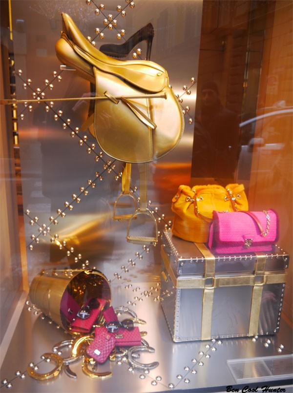 Tods escaparate navidad 2012 bcn cool hunter - Adornos navidenos para escaparates ...