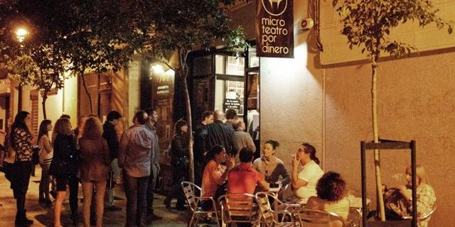 Microteatro por dinero una propuesta cultural original y for Calle loreto prado y enrique chicote 13