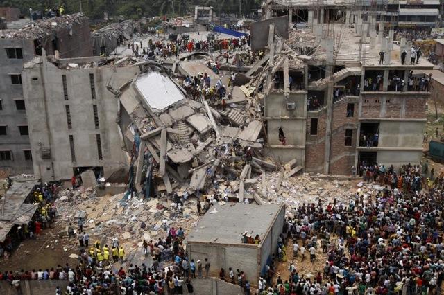 Derrumbe del edificio textil en Savar, Daca, Bangladesh