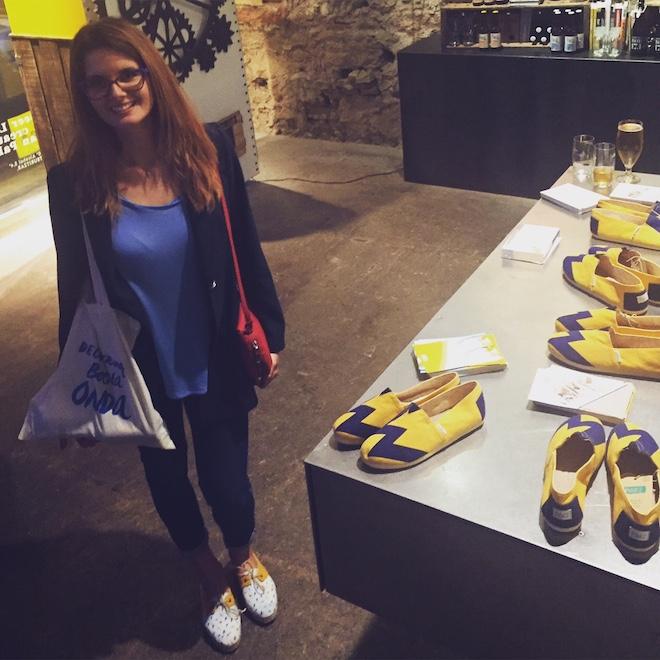 de alpargatas con el emblemático amarillo y azul de la marca barcelonesa que se pueden encontrar en exclusiva en el M,Store de la Fàbrica Moritz. paez