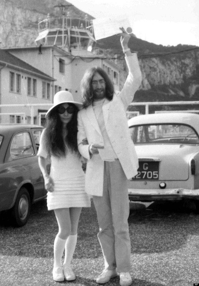 Spring Court John Lennon Ono