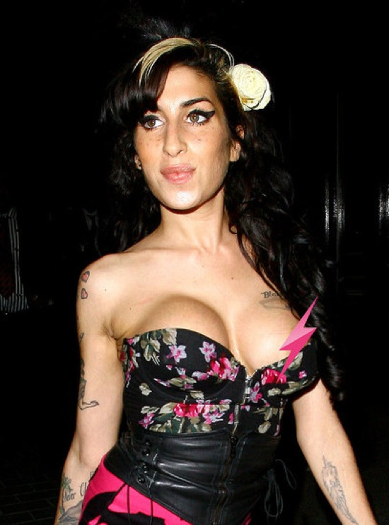 Amy winehouse look