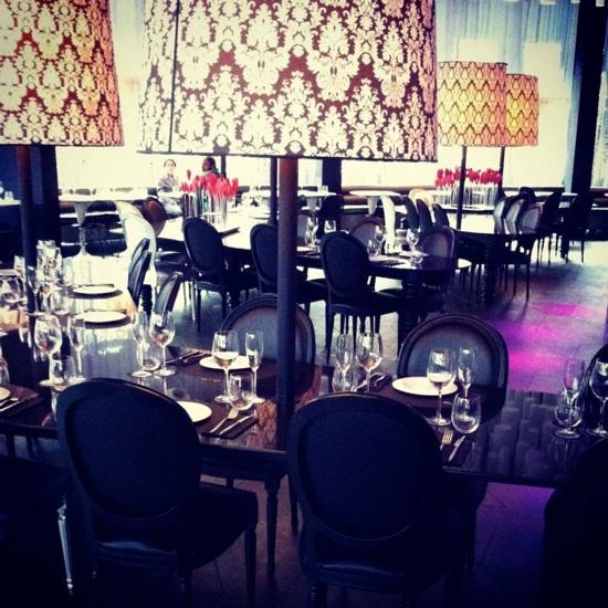 mesa restaurante barcelo raval
