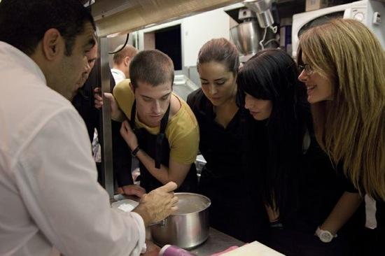 chef marc roca cocinando grupo blogger