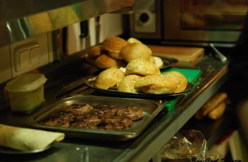 cocina-hamburguesa apolo diner