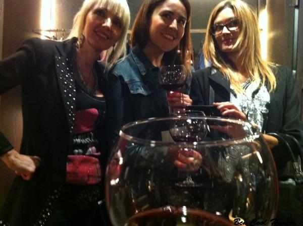 Con Alicia de ModaIcono y Anna de AddictSmile en Carolina Herrera