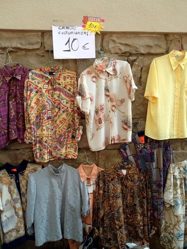 Venta e intercambio de ropa de segunda mano en el flea - Mercadillo de segunda mano barcelona ...