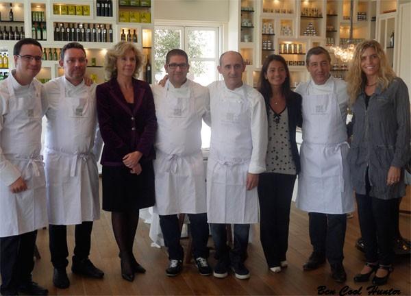 Paco Morales, Albert Adrià, Anna Folch, Dani García, Paco Pérez, Rivero Delgado, Joan Roca, y Dolors Vilamitjana en el Restaurante Enoteca del Hotel.