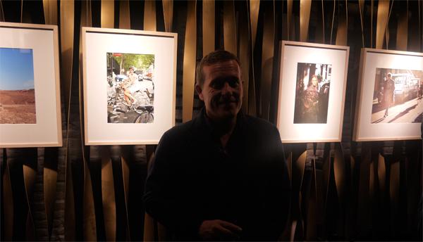 Scott Schuman en la inauguración de la exposición en la Galería Loewe