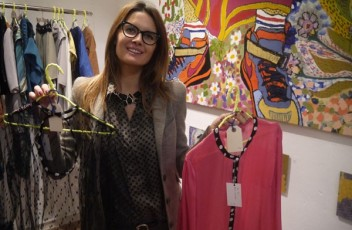 dafne camisetas paella showroom