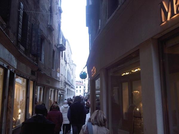 venezia calle hacer shopping