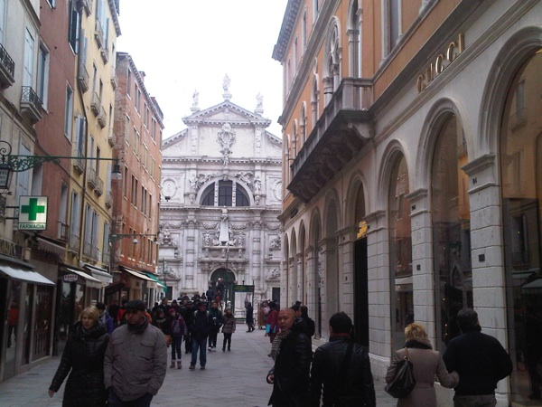venezia store gucci shopping