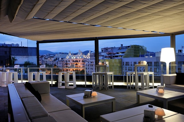 Terraza alaire el hotel condes de barcelona inaugura la - Terrazas hoteles barcelona ...