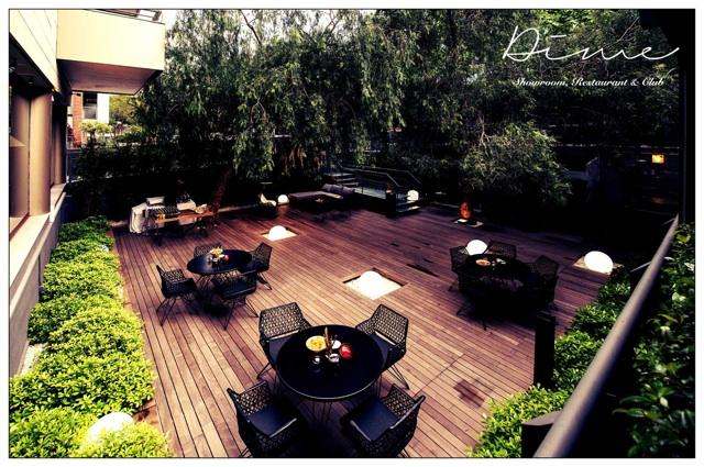 Terrazas en barcelona el restaurante y club dime inaugura for Bar jardin barcelona