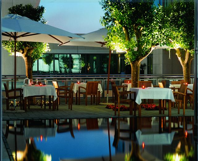 terraza hotel marina barcelona