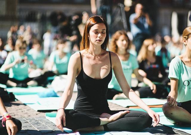 clase yoga gratuito barcelona