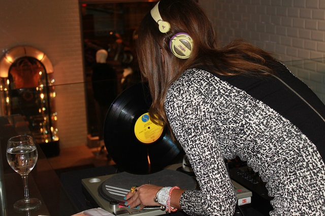 DJ ari up pinko tienda