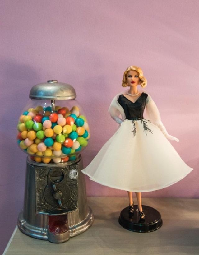 Muñeca Grace Kelly Boris y Saky salon belleza