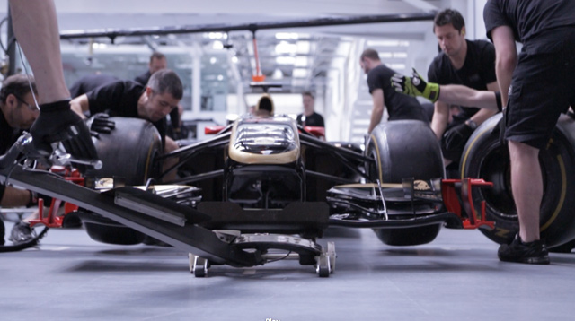 Human-Ignition-of-Lotus-F1Team-practising-a-pit-stop
