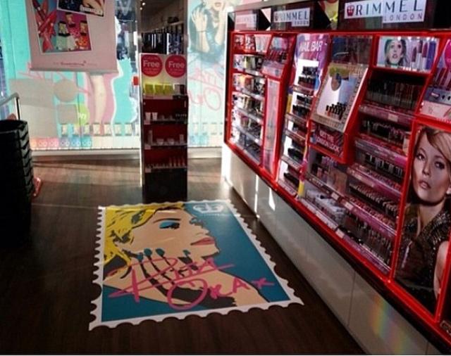 Rita Ora para Rimmel London tienda-rimmel-london-rita-ora