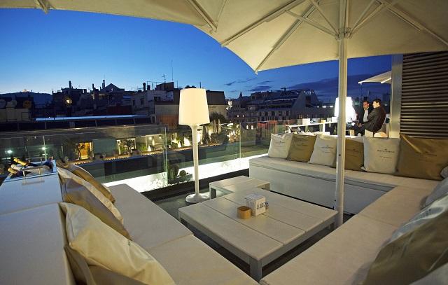 Agosto de terraceo de lujo por los hoteles de barcelona for Terrazas de hoteles en barcelona