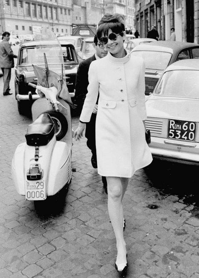 Audrey Hepburn vespa cinema