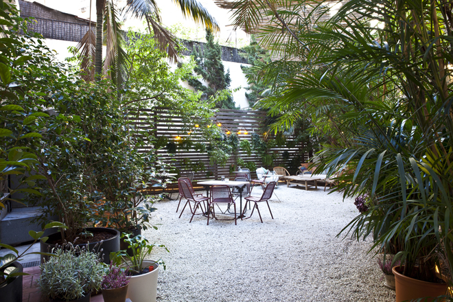 Be Concept Store terraza ajardinada