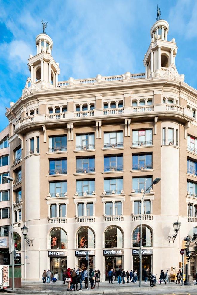 Desigual-Barcelona-Plaza-Catalunya-0021