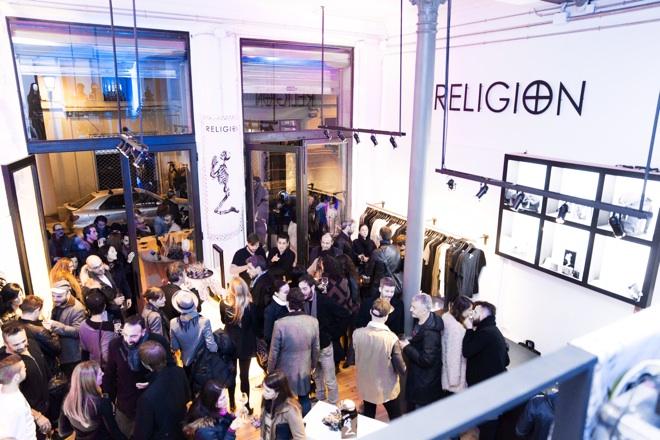 religion tienda barcelona iauguracion