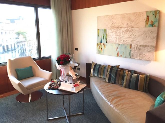 Renaissance hotel suite barcelona