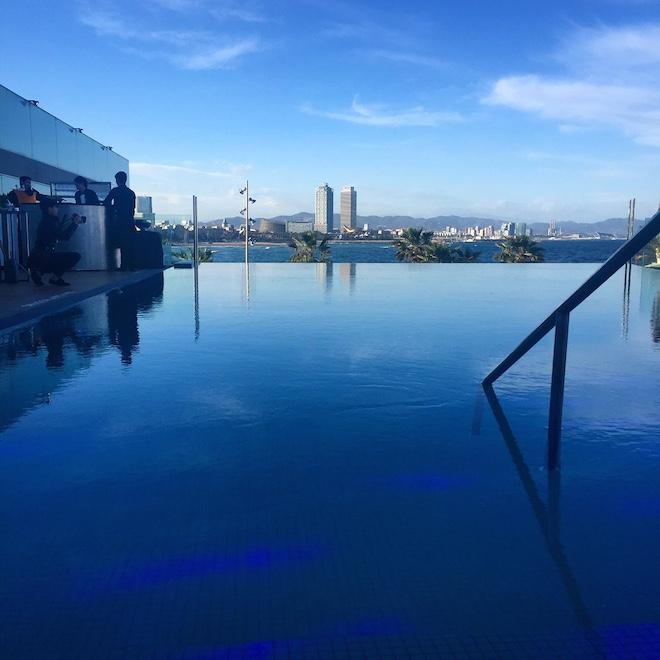 sun deck w barcelona infinity pool