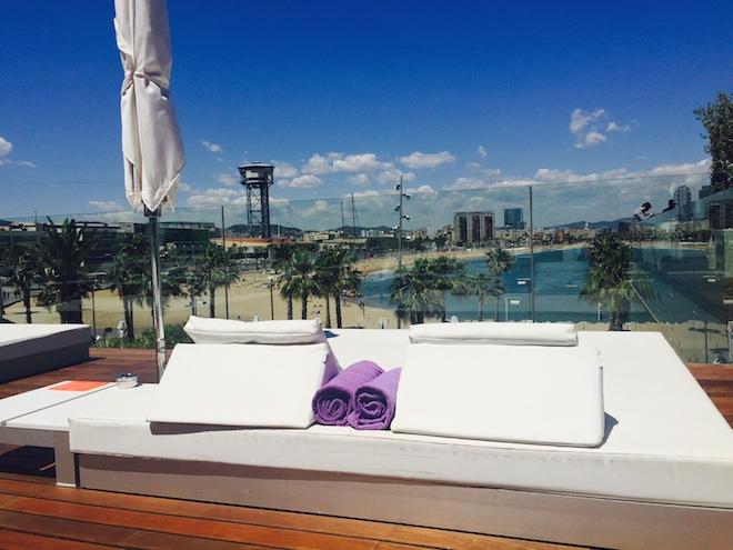 terraza wet deck camas