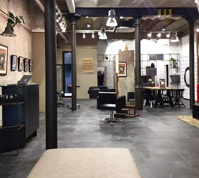 Opera lounge barcelona un sal n de belleza en una galer a for Abrir un salon de belleza