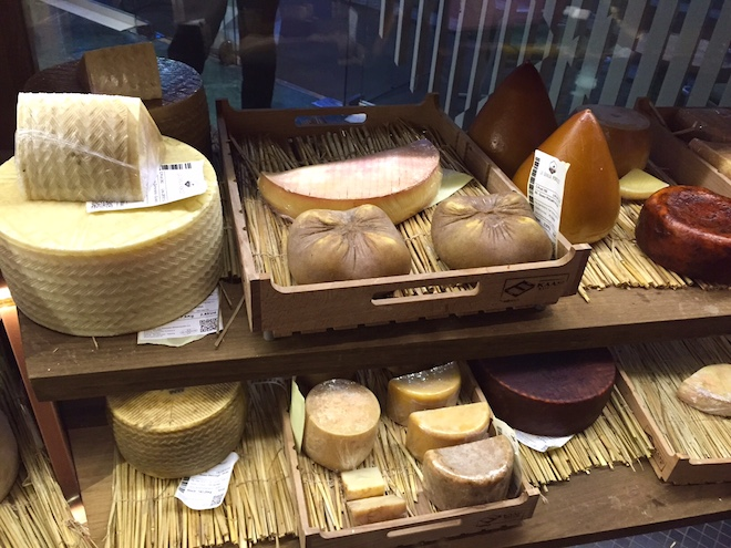 poncelet cheese bar barcelona queso