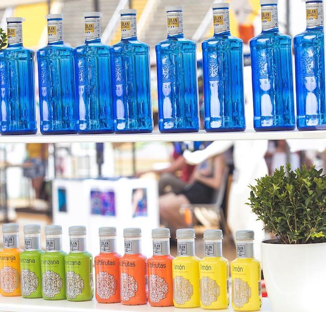 solan de cabras botellas azules