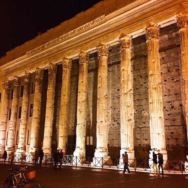 piazza di pietra roma