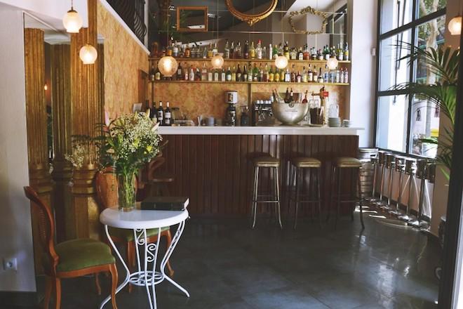 LA-XALADA_Barra-restaurante sant antoni