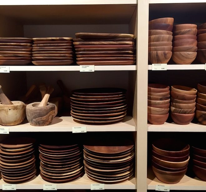 muji-barcelona-platos-madera