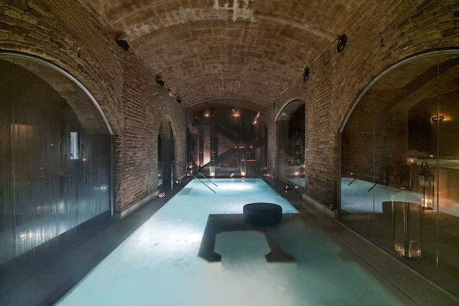 bano-de-vino-aire-de-barcelona-ancientbaths