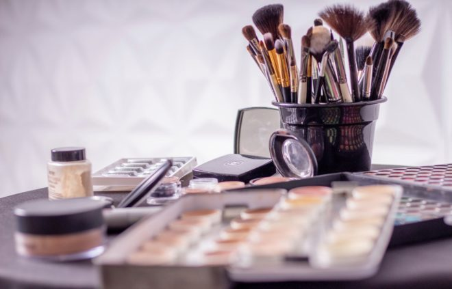 reducir imperfecciones con maquillaje