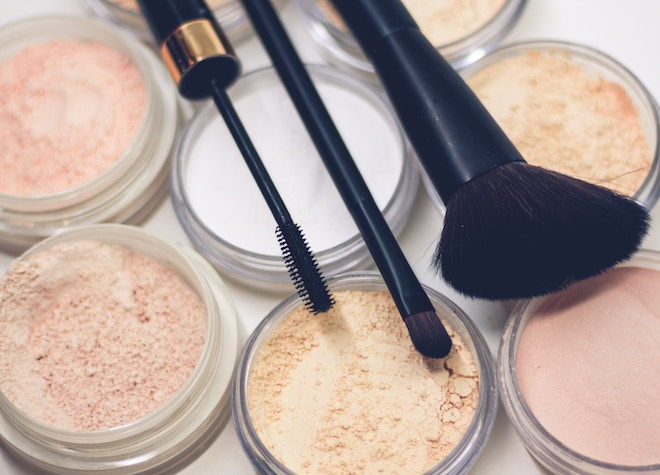 reducir imperfecciones maquillaje polvo
