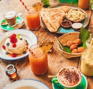 mejores brunch barcelona tropico