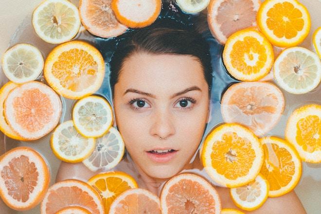 Vitamina C, el mejor activo para lucir una piel radiante