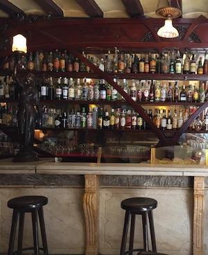 casa almirall bar historico barcelona