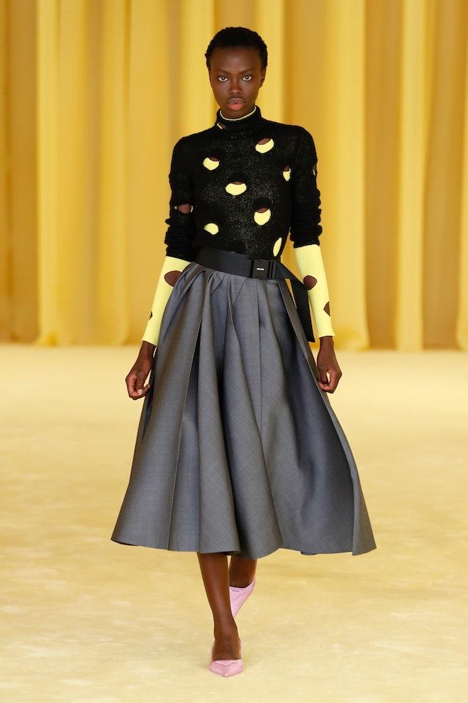 Gris y Amarillo, los dos colores de moda del 2021